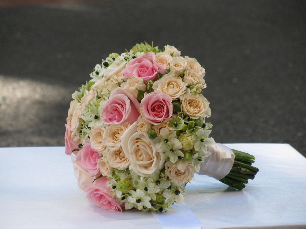Bouquet de Noiva Sta. Teresinha e Cor-de-rosa