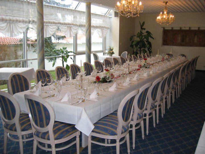Beispiel: Festtagstafel, Foto: AKZENT Hotel Altdorfer Hof.