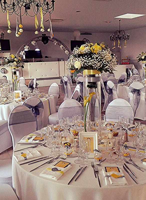 L'atelier de Sellyn ,centres de table hauts jaune et blanc(Trets)