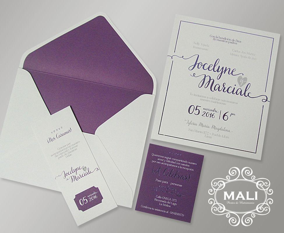 Partes en cartulina blanca, sobres de gran formato e interior con foil lila.¡ Nos encantan!