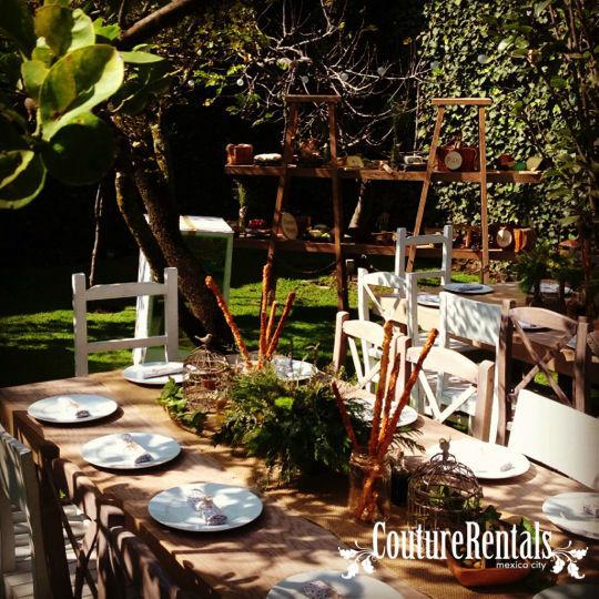 Mobiliario, mantelería, mesas de quesos  Localizados en DF