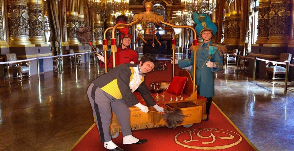 Les Groom Service et leur Palace  à roulette