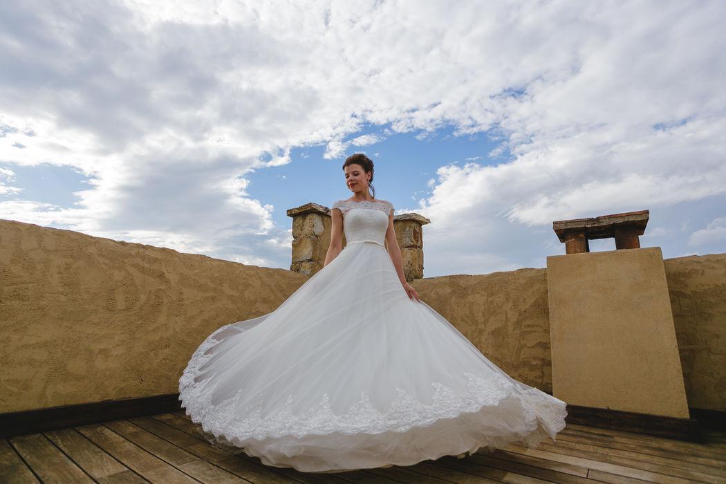 Свадьба в средневековом замке Mas Falet 1682 в Испании. Роман и Юлия. Фотограф Алексей Белан