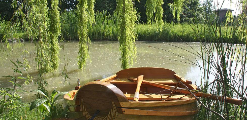 La Gaiana particolare laghetto e barchetta