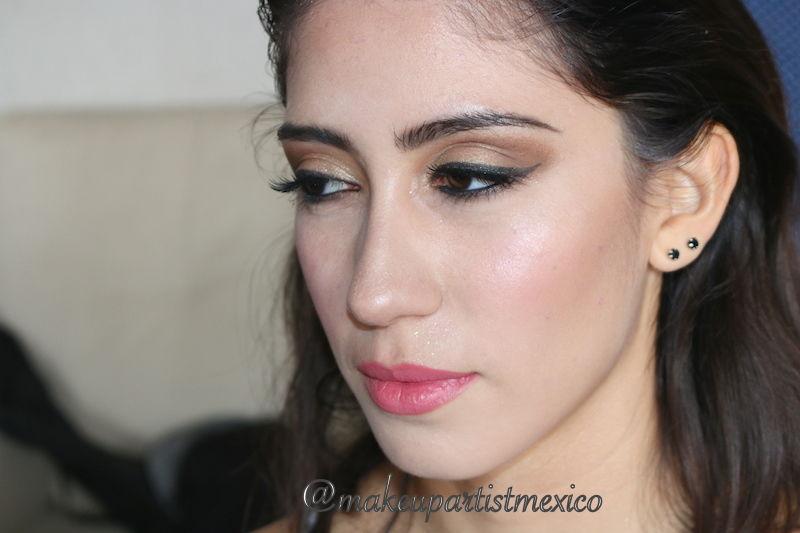 Maquillaje en curso hermoso proceso de cambio Makeup Artist Mexico