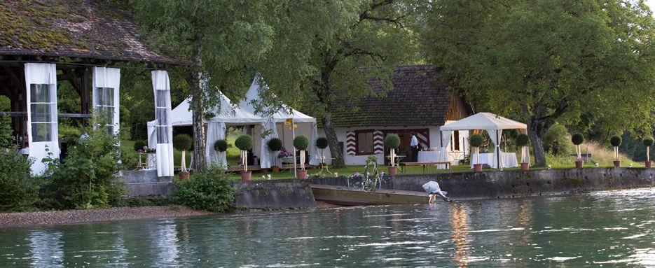 Beispiel: Gartenansicht mit Blick auf den See, Foto: Gasthaus Schupfen.
