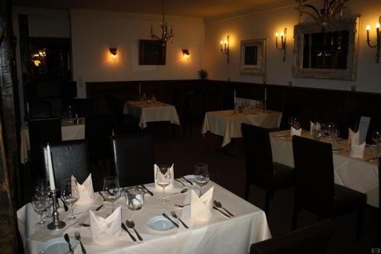 Beispiel: Gedeckte Tische, Foto: Parkrestaurant Alte Mühle.