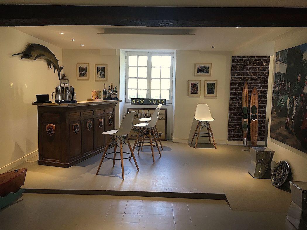 Le Bar Gallery