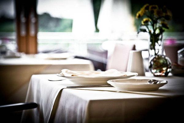 Foto: Gedeckter Tisch im Restaurant vom
