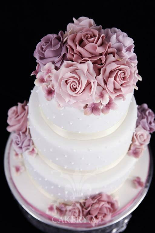 Beispiel: Ihr kulinarisches Highlight zur Hochzeit, Foto: Rita The Cakery.