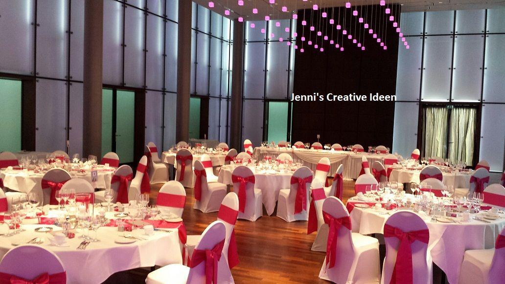 Stuhlhussen mit Fuchsia Satinschleifen Foto Jenni's Creative Ideen