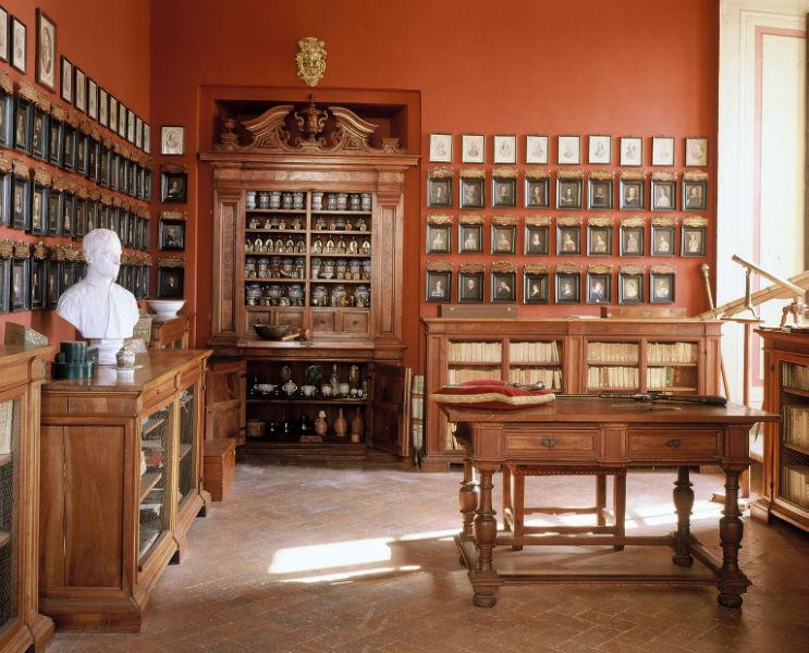 Palazzo Chigi in Ariccia - Farmacia