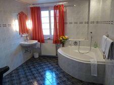 Beispiel: Badezimmer, Foto: AKZENT Hotel Saltenhof.