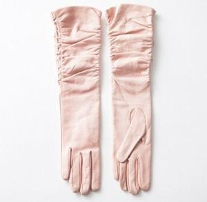 des gants en cuir rose poudré