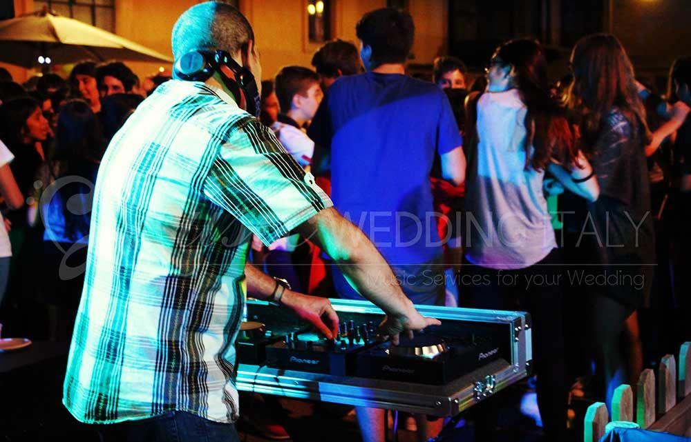 Eventi con Romadjpianobar http://www.romadjpianobar.com/weddingdj.aspx