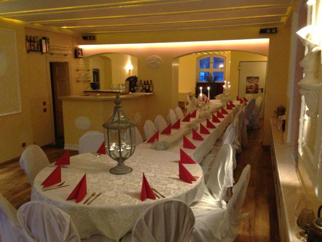Beispiel: Gewölbekeller - Hochzeitstafel, Foto: Villa am Fennpfuhl.