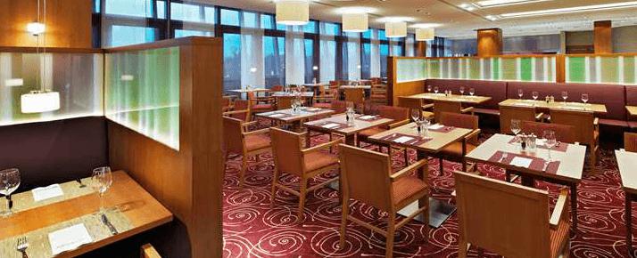 Beispiel: Restaurant, Foto: Hilton Garden Inn Frankfurt Airport.
