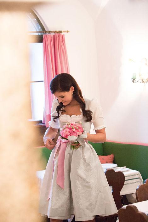 Beispiel: Brautmode zum Wohlfühlen, Foto: Susanne Spatt Salzburg.