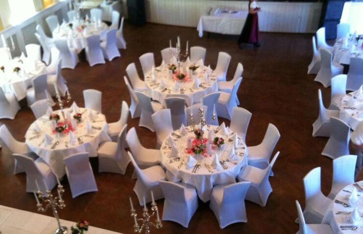 Beispiel: Hochzeitsbankett, Foto: Gut Nederling.