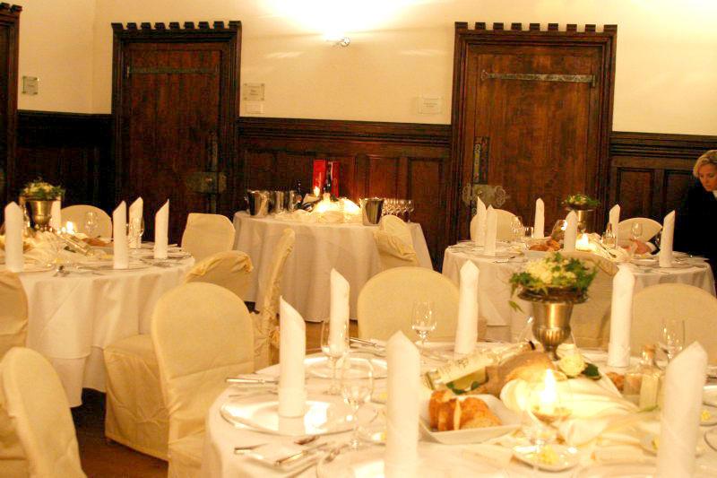 Beispiel: Hochzeitsgedeck, Foto: Schloss Grünewald.