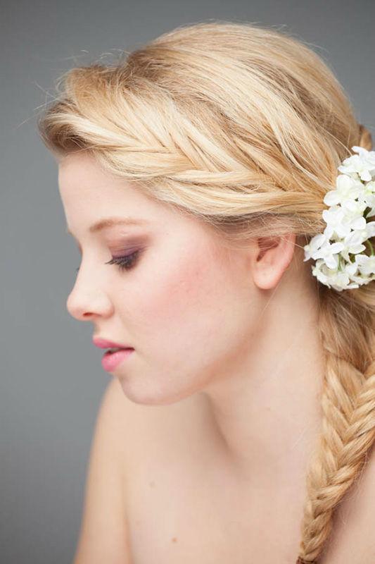 Beispiel: Braut-Haarstyling, Foto: FACE & BODY Day Spa.