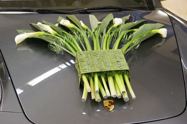 Beispiel: Elegante florale Dekoration, Foto: Sandra's Blütenzauber.