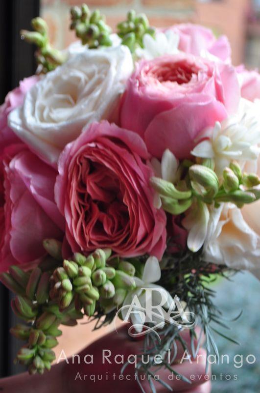 Boda Clásica Gris y Rosa