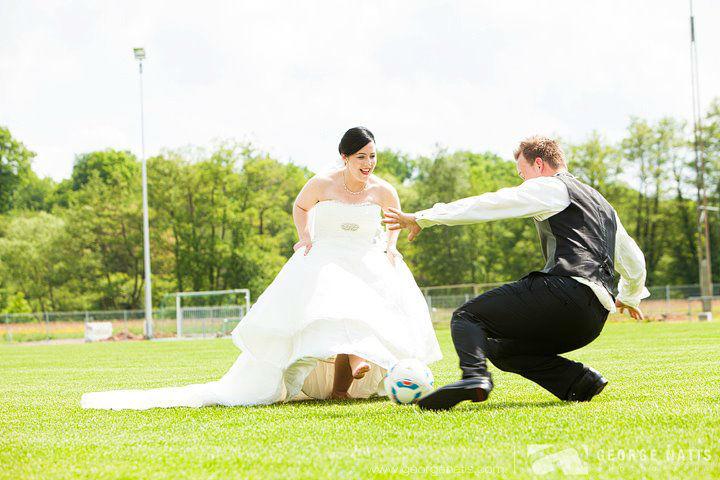 Beispiel: Kreative Hochzeitsfotos, Foto: George Natis Photography.