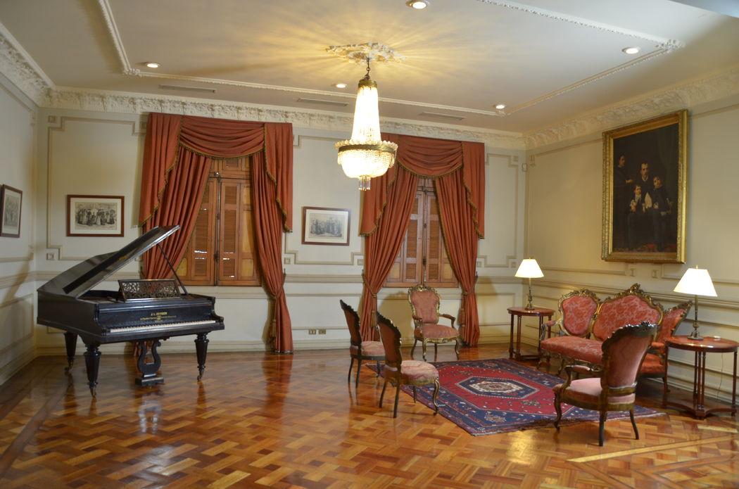 Casa Dieciocho. Salón María Luisa, para fotografías oficiales de los novios.
