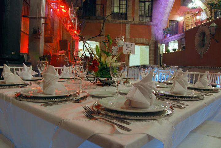 El mejor toque de distinción y servicio de calidad en tu boda - Foto Banquetes Extelarys