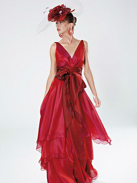 Beispiel: Kleider mit Stil, Foto: Liluca Zürich Festkleider.