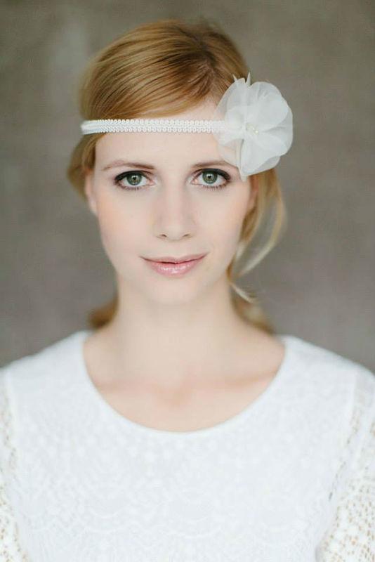 Braut Haarband Seidenbluete - bellejulie.de