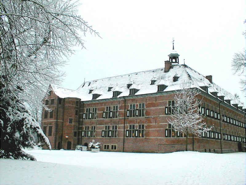 Beispiel: Schloss im Schnee, Foto: Schloss Reinbek.