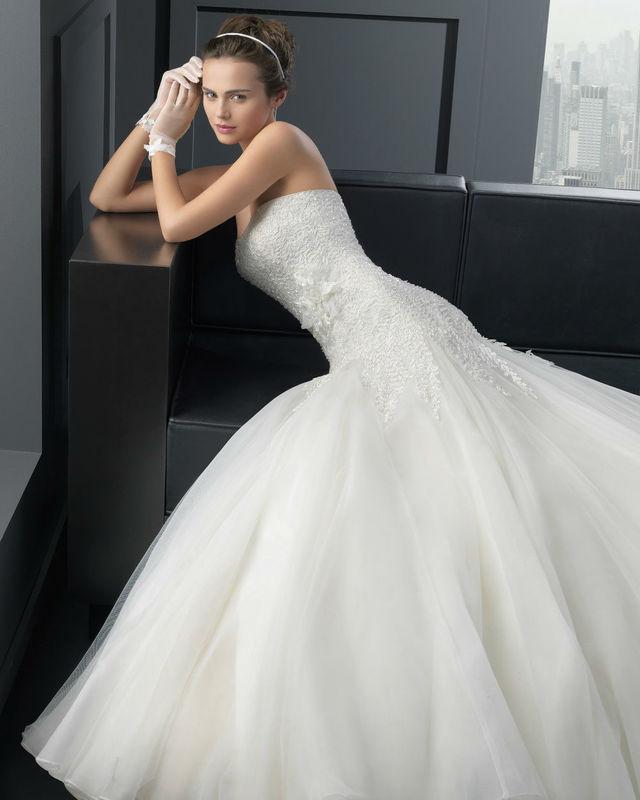 Modèle Two By Rosa Clara par votre boutique Confidence Mariage