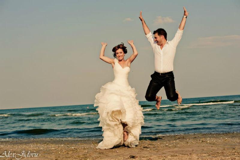 Beispiel: Originelle Hochzeitsfotos, Foto: Alex Jidovu.