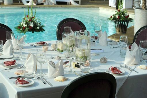 Beispiel: Kreative Dekorationsideen für Ihren Hochzeitstag, Foto: Frank Matthée.Wh!te.