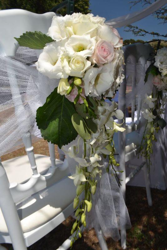Décoration florale de chaise