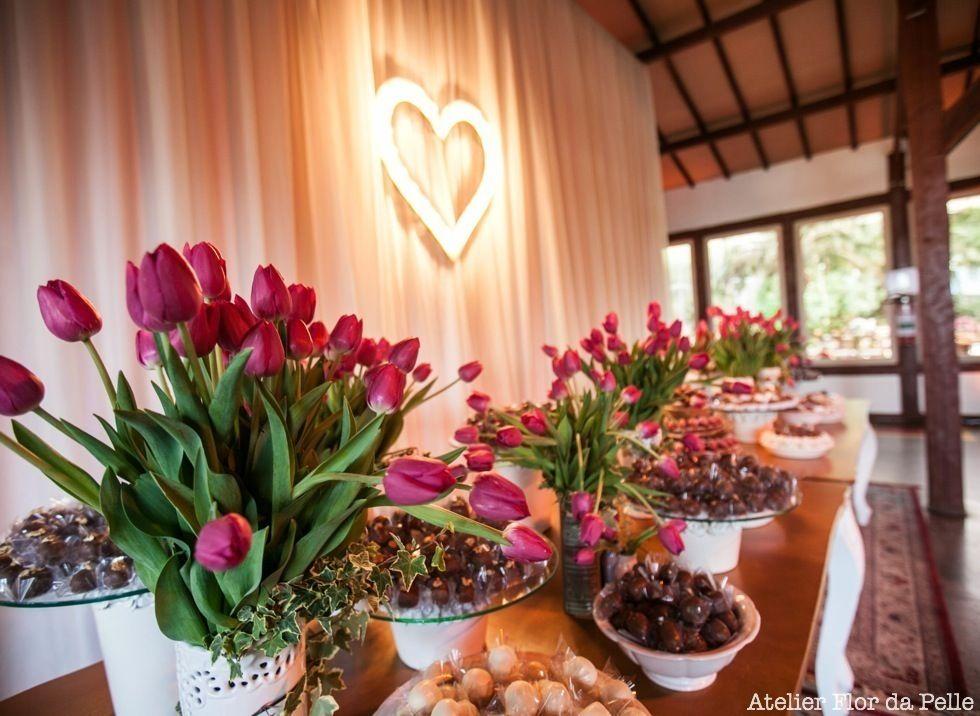 Mesa de bolo e doces Atelier Flor da Pelle