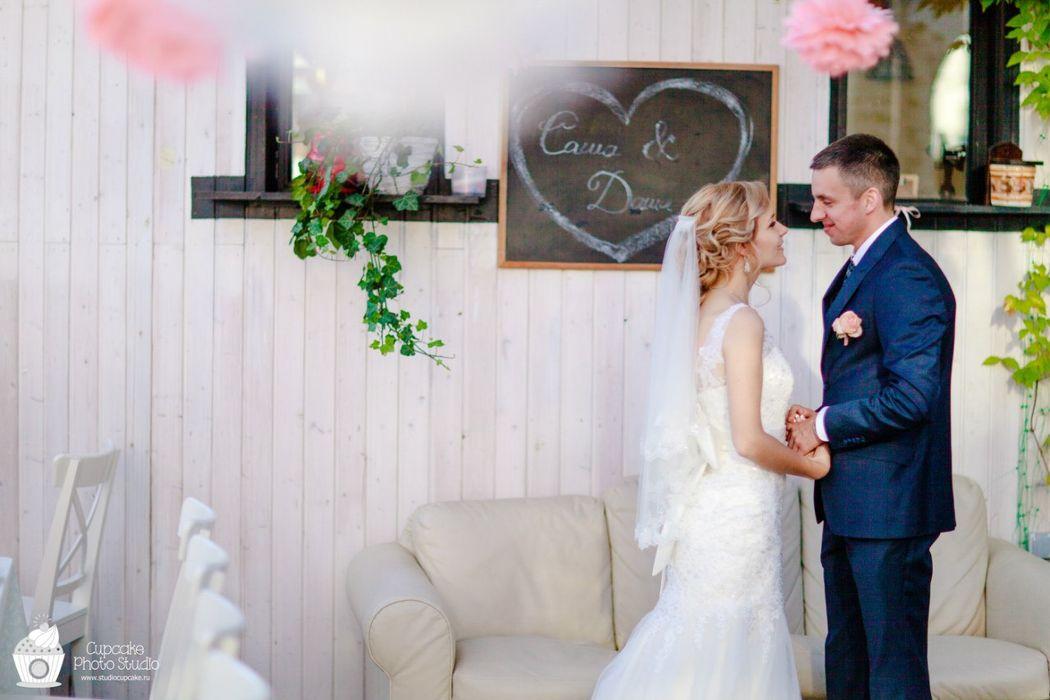 Cupcake wedding studio