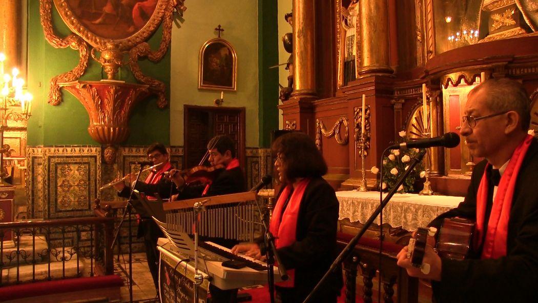 Coros y Violines Angelus en El Sagrario de la Catedral de Lima