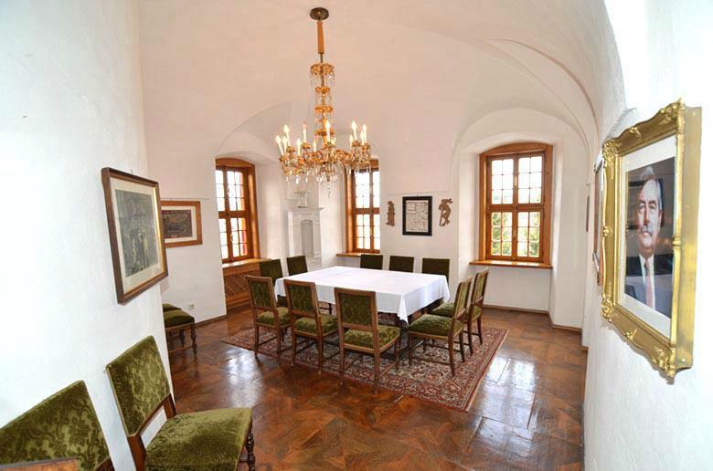 Beispiel: Fürstenzimmer, Foto: Ritterburg Lockenhaus.