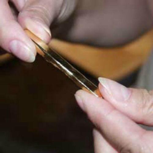 Beispiel: Armreif, Foto: Lachmann's Goldschmiede.