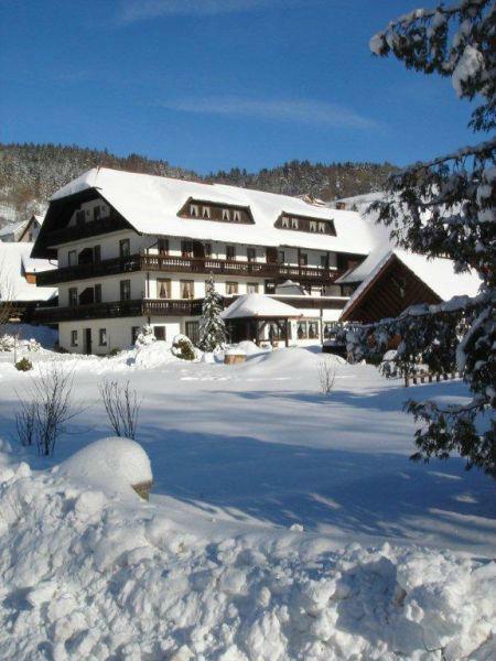 Beispiel: Hotel im Winter, Foto: Hotel-Restaurant Zum Fröhlichen Landmann.