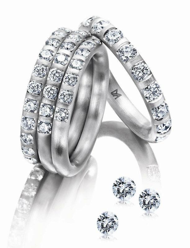 Beispiel: Eheringe mit Brillianten, Foto: Juwelier Dallinger.