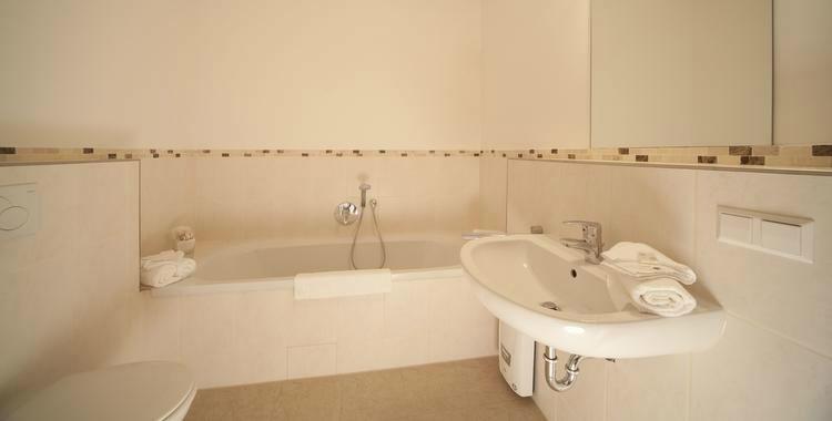 Beispiel: Badezimmer, Foto: Rittergut Grossgoltern.