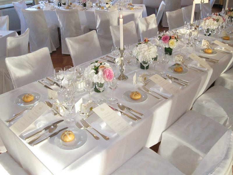 Beispiel: Für Ihre Hochzeit ist eingedeckt, Foto: Zunfthaus zur Meisen.