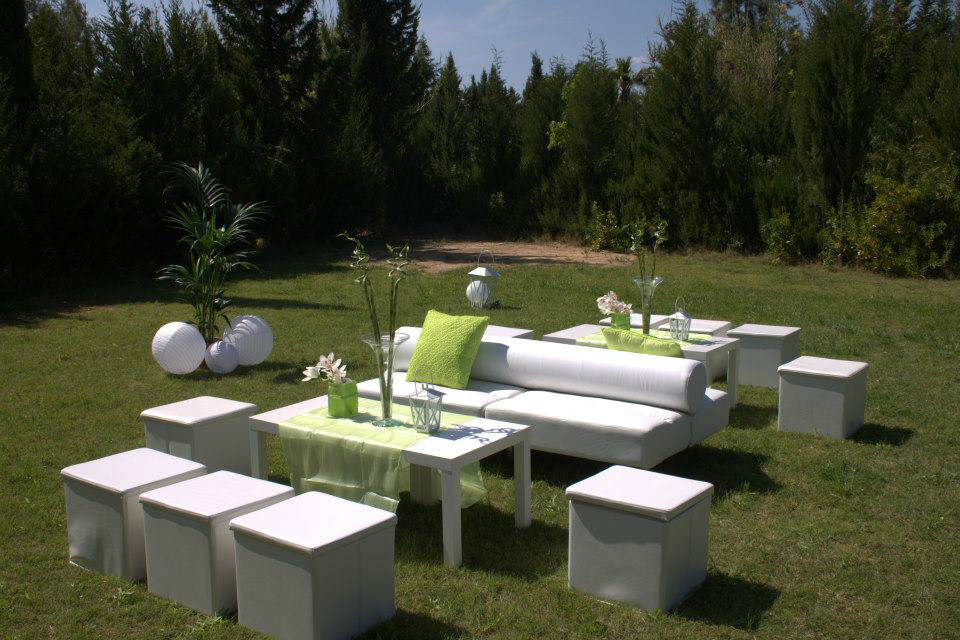 Mobiliario chill out para tu boda o celebración
