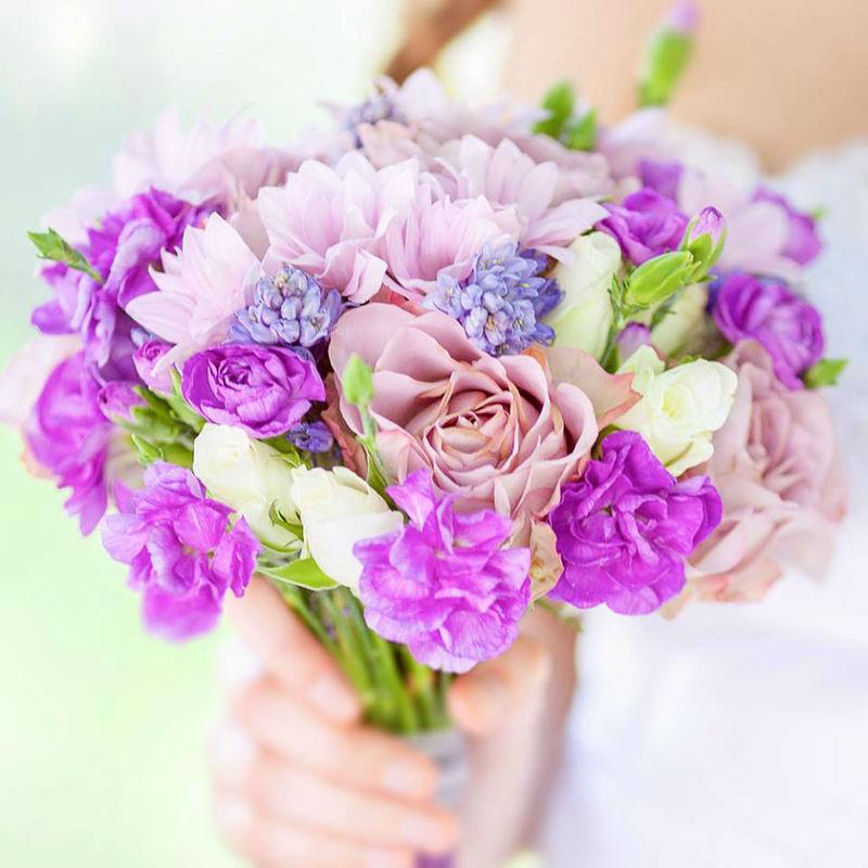 Romantyczna kompozycja florystyczna