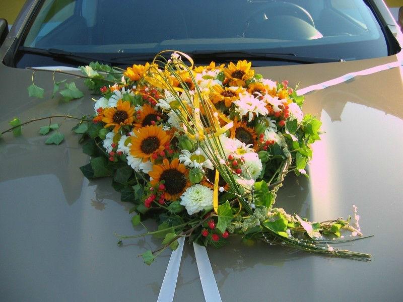 Beispiel: Einzigartige Blumengestecke, Foto: Evis Blattwerk.