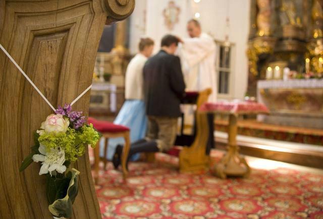 Beispiel: Kirchendekoration, Foto: Florales und Gestaltung.